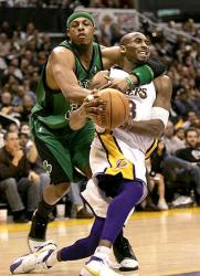 kobe paul pierce 22167437.jpg