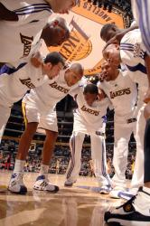 laker team players huddle.jpg