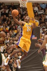 kobe bryant full.getty  sonics lakers 12 57 40 am.jpg