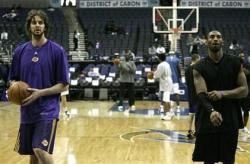 New Laker Paul Gasol at practice with Kobe.jpg