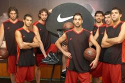 Pau Gasol and members of the Spanish National Team.jpg