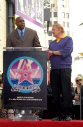 magic-johnson-jerry-buss- .getty- _dr_jerry_buss_5_11_55_pm.jpg
