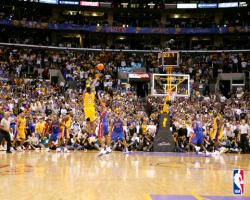 kobe bryant at the buzzer 172303 480 art R0