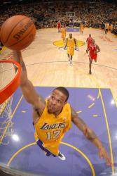 Shannon Brown fastbreak dunk.jpg