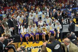 Laker players and staff pose after winning the NBA Championship 2009.jpg