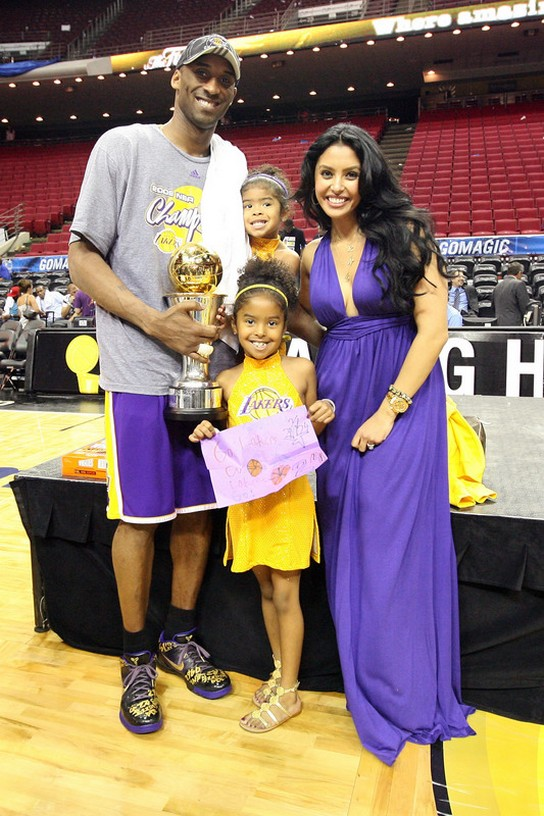Kobe Bryant poses with his NBA Finals MVP trophy with his wife Vanessa Bryant and kids.jpg (14 ...