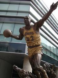 Magic Johnson statue in LA.jpg