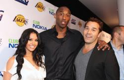 Vanessa Bryant with Kobe and Jeremy Piven.jpg