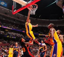 Shannon Brown dunk over Mikki Moore posterized.JPG