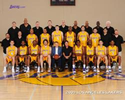 Lakers 2009-2010 team photo wallpaper.jpg
