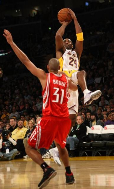 這一戰最能體現Kobe的進攻火力!不是單場81分,也不是三節62分!(影)-Haters-黑特籃球NBA新聞影音圖片分享社區