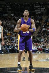 kobe free throw full.getty   laker spur 12 40 16 am.jpg