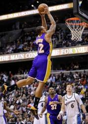 Shannon Brown flies in for a 2 handed power dunk against the Wizards.JPG