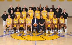 Lakers 2010 team group picture with coaching staff and owner Jerry Buss.JPG