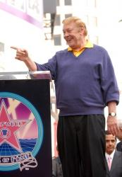 jerry buss full.getty   dr jerry buss 4 48 14 pm.jpg