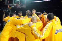 Lakers teammates huddle up before game 2 vs the Jazz.JPG