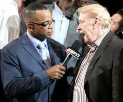 Jerry Buss is interviewed by Stuart Scott after the Lakers win the 2010 NBA Championship.JPG