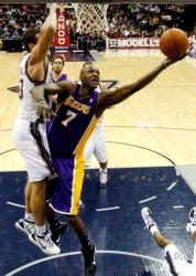 Lamar Odom layup past Kris Humphries.JPG