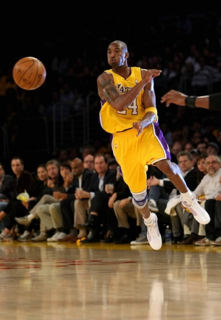 kobe bryant fires a pass on the run jpg  1 comment