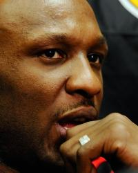 Lamar Odom and his wedding ring.JPG