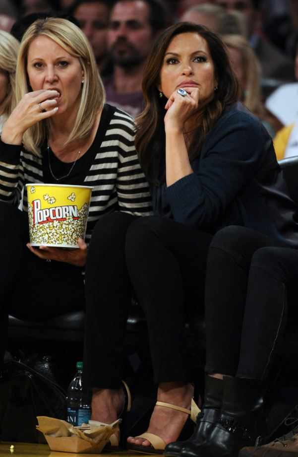 Laker Fan Mariska Hargitay Shows Large Wedding Ring As She Watches