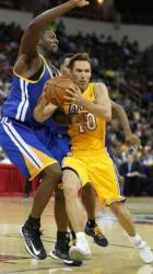 Steve Nash drives inside vs the Warriors.JPG