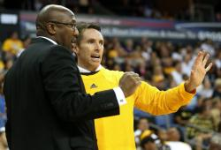 Steve Nash has a discussion with Mike Brown.JPG