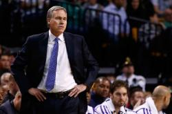 Mike D'Antoni Pictures/Photos as a Laker Coach
