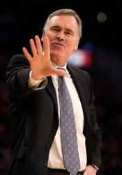 Mike D'Antoni gives the 5 sign.JPG