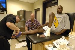 odom-gets-ankle-wrapped- . - _suns_lakers_4_03_54_pm.jpg