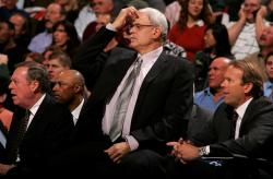 phil-jackson-fullj.getty- _los_angeles_l_1_59_09_am.jpg